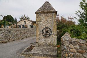 vieux puits; Auzon